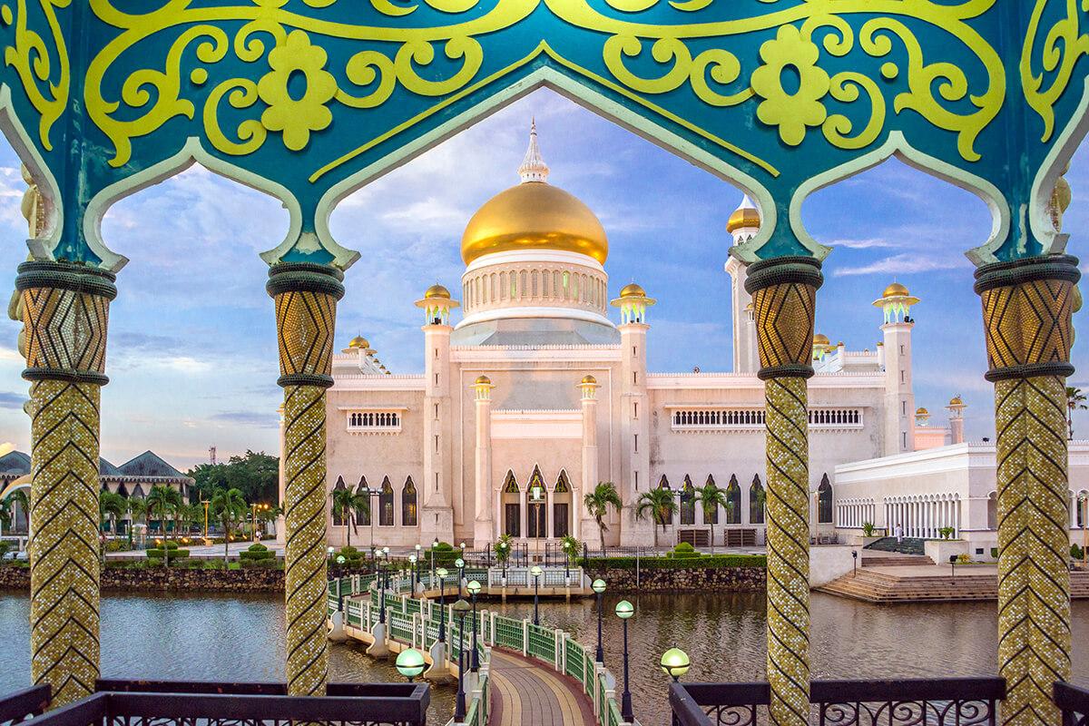 Brunej mešita v plnej paráde