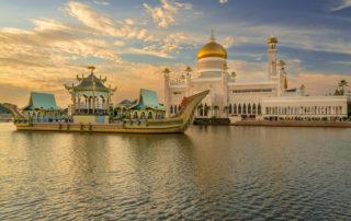 Brunej jazero po západe slnka