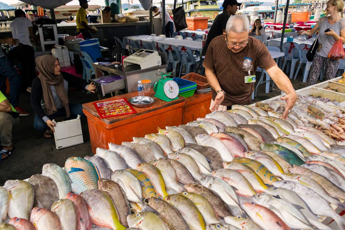 Kota Kinabalu rybací trh