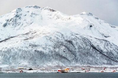 Plavba zimným fjordom samota