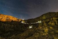 Mount Ijen zostupujúci turisti