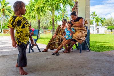 Žena v tradičnom odeve Tonga